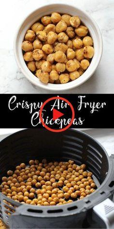 Erfahren Sie, wie Sie knusprige Kichererbsen in einer Luftfritteuse mit minimalem Ölgehalt herstellen! Fügen Sie Ihre Lieblingsgewürze hinzu und fügen Sie diese Kichererbsen dann auf einen Salat, in eine Packung oder allein! #rinderhackfleischrezepte #dessertrezepte Air Fryer Oven Recipes, Air Frier Recipes, Air Fryer Dinner Recipes, Snack Recipes, Cooking Recipes, Healthy Recipes, Air Fryer Recipes Vegetables, Easy Recipes, Air Fryer Recipes Gluten Free
