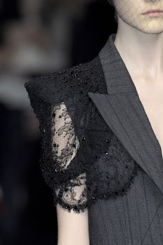 ~ Living a Beautiful Life ~ masculine/feminine detail, Alexander McQueen Couture Details, Fashion Details, Fashion Design, Fashion Ideas, Fashion Quotes, Style Fashion, Fashion Outfits, Alexander Mcqueen, Runway Fashion