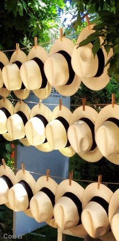 * Con B de Boda *Amazing way to keep guests of the wedding cool!