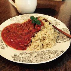 Quinoa with marinara sauce  #whatveganseat #youarewhatyoueat #dinner #quinoa #marinara #tomato #homemade #veganlife #vegan #plantbased #hclf #herbe #potager #diner #zerowaste #zerodechet #veganfoodshare #vegancooking #france #lyon #ディナー #マリナーラ #キヌア #ヴィーガン #ベジタリアン #ベランダハーブ #オレガノ #ハイカーブ #ベランダ菜園 #ハーブのある暮らし
