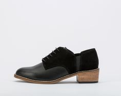 This classic dandy style shoe are the perfect pair to rock with any suit.