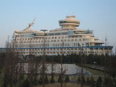 Корабль на скале или отель Sun Cruise Hotel, Южная Корея http://muz4in.net/news/korabl_na_skale_ili_otel_sun_cruise_hotel_juzhnaja_koreja/2013-05-30-32752