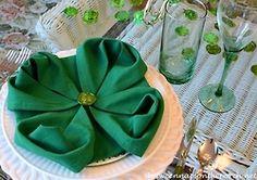 - 4-Leaf Clover Napkin Fold, How To