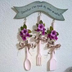 Decor Crafts, Home Crafts, Diy And Crafts, Arts And Crafts, Homemade Gifts, Diy Gifts, Wooden Spoon Crafts, Clay Wall Art, Spoon Art