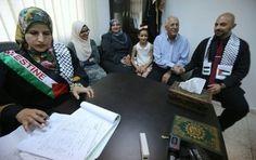 Territoires palestiniens: une femme célèbre un mariage, une première