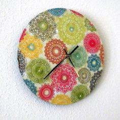 Colorful Retro Chic Wall Clock via Etsy. Crochet Wall Art, Crochet Home, Framed Doilies, Diy Clock, Clock Ideas, Unique Wall Clocks, Funky Art, Unique Gifts, Handmade Gifts