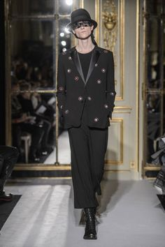Male Fashion Trends: Rynshu Fall/Winter 2016/17 - Paris Fashion Week