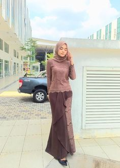 Click Images to Download Muslimah Cantik Cantik Bekasi #muslimah #muslimahcantik #jilbabcantik #jilbabmontok #jilbabseksi #carijodoh #caripasangan #carisuami #caripacar