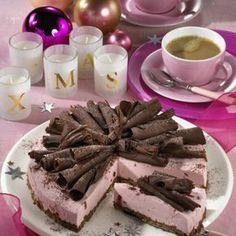 Spekulatius-Torte mit Preiselbeercreme Rezept   LECKER
