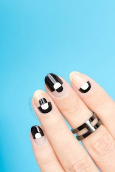 Negative space nails. Click for step-by-step tutorial. #nailart