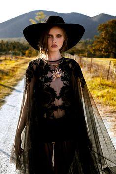 ╰☆╮Boho chic bohemian boho style hippy hippie chic bohème vibe gypsy fashion indie folk the . Witch Fashion, Dark Fashion, Gothic Fashion, Boho Fashion, Fashion Beauty, Womens Fashion, Fashion Fall, Steampunk Fashion, Gothic Steampunk