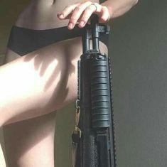 guns for women Jaal Mass Effect, Mafia, Rauch Fotografie, Grunge, Nagisa Shiota, Allison Argent, Natasha Romanoff, Metal Gear, South Dakota