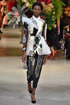 vro-hc-ss17-032-654x980 Weird Fashion, High Fashion, Fashion Show, Victor And Rolf, Botanical Fashion, Crazy Dresses, Haute Couture Paris, Spring Summer, Runway Fashion
