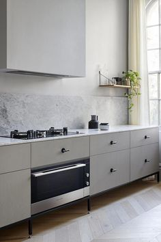 Kew Apartment by Sarah Wolfendale - The Fisher & Paykel Series - Local Australian Design and Architecture Rustic Kitchen Design, Interior Design Kitchen, Home Design, New Kitchen, Kitchen Dining, Kitchen Ideas, Dining Table, Kitchen Furniture, Home Furniture