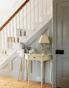 Turn a traditional hallway into an elegant and airy space that's full of light b. Turn a traditional hallway into an elegant and airy space that's full of light by painting the walls and staircase white 1930s Hallway, Victorian Hallway, Grey Hallway, Edwardian Staircase, Hallway Paint, Victorian House, Painted Staircases, Painted Stairs, Painted Panelling