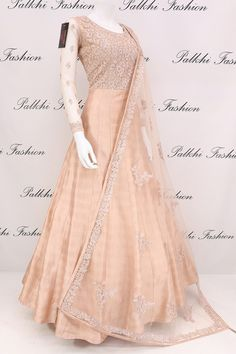 Palkhi fashion exclusive peach raw silk outfit with soft net duppata with appealing work on it. It comes with Lycra leggings. Indian Gowns Dresses, Indian Fashion Dresses, Indian Designer Outfits, Pakistani Dresses, Indian Outfits, Pakistani Frocks, Flapper Dresses, Designer Anarkali Dresses, Designer Bridal Lehenga