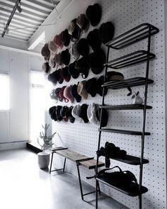 いいね!236件、コメント0件 ― DUENDEさん(@duende.jp)のInstagramアカウント: 「#Repost ⠀ ⠀ @raujika_rc ⠀ ⠀ [帽子屋さんの景色]⠀ ⠀ ではなく ⠀ ⠀ 【WALLのある景色】 です…笑。 ⠀ ⠀⠀⠀ ⠀ ・・・…」 Shoe Rack, Instagram, Home, Elves, Shoe Racks, Ad Home, Homes, Haus, Houses