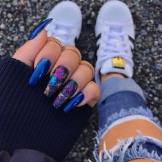 Nail art Christmas - the festive spirit on the nails. Over 70 creative ideas and tutorials - My Nails Blue Acrylic Nails, Blue Nails, Marble Nails, Nails Polish, My Nails, Diy Ongles, Bright Summer Nails, Foil Nails, Nagel Gel