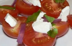 Looking for cherry tomato recipes? Here is a very simple and easy to make cherry tomato salad recipe. Cherry tomatoes are usually the size of a cherry, or Cherry Tomato Recipes, Cherry Tomato Salad, Tomato Salad Recipes, Cherry Tomatoes, Vegan Keto Recipes, Basil Recipes, Best Low Carb Recipes, Cooking Food, Healthy Cooking