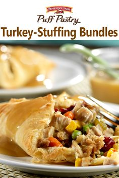 """This pastry-wrapped main dish is a creative way to use up your Thanksgiving leftovers. It combines turkey, stuffing, gravy, vegetables and cranberry sauce in individual """"pot pies"""". Gluten Free Puff Pastry, Puff Pastry Recipes, Tart Recipes, Puff Pastries, Pastries Recipes, Vegan Thanksgiving, Thanksgiving Side Dishes, Thanksgiving Leftovers, Leftover Turkey"""