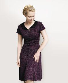 tailliertes Jerseykleid mit Blumenmuster und Bubikragen // dress with floral print and peter pan collar by Femkit via DaWanda.com