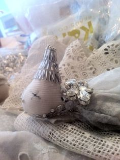 Working on a commission for a Moon Bird. Now want to do a whole army of Moon Birds. Fox Nursery, Doll Maker, New Moon, Rocks And Minerals, Lynch, Doll Patterns, Beaded Embroidery, Art Dolls, Alice