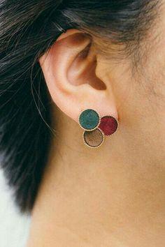 Tiny Star Earrings/ Diamond Star Earrings in Solid Gold/ Tiny Diamond Earrings/ Tiny Stud Earrings/ Tiny Diamond Studs/ Valentines Day - Fine Jewelry Ideas Indian Jewelry Earrings, Fancy Jewellery, Jewelry Design Earrings, Tiny Stud Earrings, Ear Jewelry, Cute Jewelry, Crystal Earrings, Wedding Jewelry, Gold Jewelry