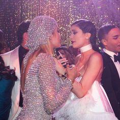Kardashian, Khloe K, Kylie Jenner Outfits, Prom Dresses, Formal Dresses, Sequin Skirt, Sequins, Skirts, Fashion