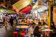 48 Hours in Hong Kong: The Temple Night Market–great street eats in Hong Kong
