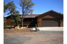 3479 Pinion Circle, Heber, AZ, 85928  $205,500              MLS#116685  TypeSingle Family Property  Bedrooms3  Bathrooms2.00  Square Footage1504  Lot Size0.36 acres    SINGLE LEVEL HOME! Very nice 3 bd 2 ba home with attractive wood laminate in main living, tile in bathrooms, and carpet in bedrooms. Split floor plan. T vaulted ceilings. Beautiful open kitchen with breakfast island, hickory cabinets, and solid surface countertops.