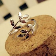 $5.29 Fashion Curved Leaf Shape Alloy Ring For Women