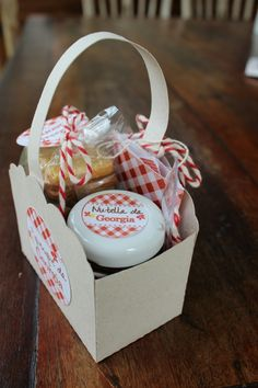 Container, Party, Wedding Catering, Gifts, Victoria, Food, Gift Ideas, Products, Fruit Party
