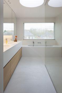 Mortex me-time Mortex me-time Chic Bathrooms, Modern Bathroom, Small Bathroom, Colorful Bathroom, Dyi Bathroom, Master Bathroom, Casa Kardashian, Küchen Design, House Design