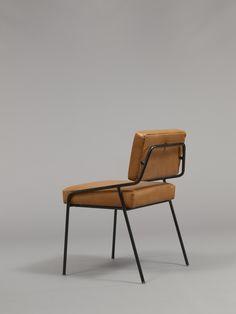 alain richard chaise en métal laqué noir et mousse
