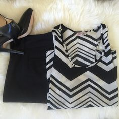 NWOT Chevron print top NWOT ..Beautiful chevron style top, great for the office paired with a blazer or by itself with a great jean      Poliester blend light weight fabric.  ✅will Bundle  ✅ ✅ all reasonable offers will be considered No Trading  Poshmark rules only‼️ Measurements taken laying flat Ⓜ️ chest 19 Ⓜ️length 23 Boutique  Tops Blouses