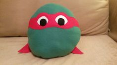 TMNT (Raphael) pillow, using pizza pan as pattern. By Bonnie Vreeman.