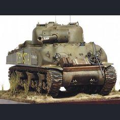 M4 Sherman 1/35 Scale Model Unkown modeler From: Pinterest  #scalemodel #plastimodelismo #miniatura #miniature #miniatur #hobby #diorama #humvee #scalemodelkit #plastickits #usinadoskits #udk #maqueta #maquette #modelismo #modelism