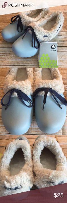 Crocs Gretel women shoes New - never worn - super soft faux fur inserts - sky blue/oatmeal color CROCS Shoes Mules & Clogs