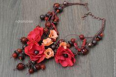 Купить Колье САД ОГНЕННЫХ КАМНЕЙ с цветами из фоамирана и бусинами - колье с цветами, украшение с цветами