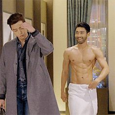 Siwon's shirtless scene in She was Pretty | K-Pop Amino I was seriously so jealous he got to see his towel drop