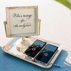 Alternative au livre d'or: Filmez un message pour les jeunes mariés Messages, Best Wedding Dresses, Wedding Guest Book, Celebrity Weddings, Big Day, Special Day, Floral Wedding, Perfect Wedding, Wedding Events