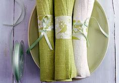 Pastel green easter table decotarions