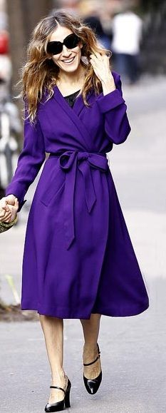 Who made  Sarah Jessica Parker's belted purple coat that she wore in New York?