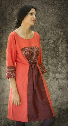 Robe Ophelis, chic en soie orange et bordeaux brodée à la main