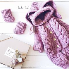 This Pin was discovered by лар Knit Baby Sweaters, Knitted Baby Clothes, Knitted Romper, Crochet Coat, Cute Crochet, Crochet Baby, Knitting For Kids, Baby Knitting, Baby Boy Cardigan