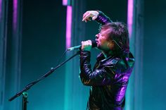 Thom Yorke Photos Photos - Thom Yorke of Radiohead performs live on the main stage during the third and final day of Reading Festival on August 30, 2009 in Reading, England. - Reading Music Festival - Day 3