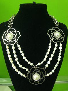 Collar moderno de perlas y cadena!