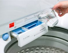 Se vierte el vinagre en la lavadora. Cuando veas por qué lo hace, querrás hacerlo tú también. | LikeMag | We Like You