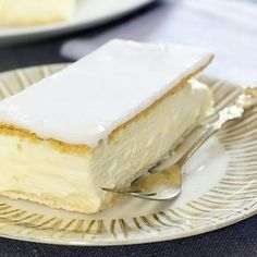Napoleonskake Norwegian Cuisine, Norwegian Food, Norwegian Recipes, Sweet Recipes, Cake Recipes, Napoleon Cake, Pastel, Dessert Drinks, Gluten Free Baking