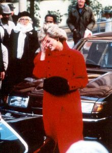 feb 27,86 Princes Diana, Royal Engagement, Lady Diana Spencer, British Monarchy, Princess Of Wales, Queen Of Hearts, Famous Faces, Lady In Red, Engagements